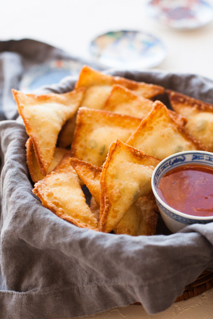 These super tasty cream cheese wontons are sure to be a hit at any party!
