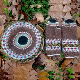 Icelandic Leaves: mittens and tam