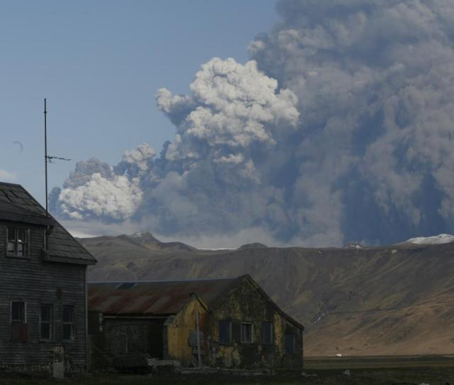 Seven Years Ago Today Eruption In Eyjafjallajokull The Volcano With The Un Pronouncable Name Icelandmag