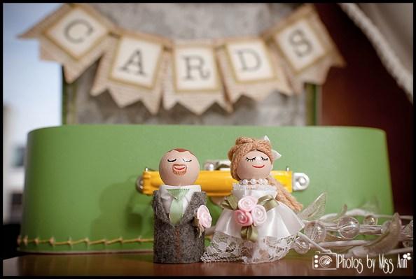 diy-iceland-wedding-details-handmade-cake-topper-and-card-box
