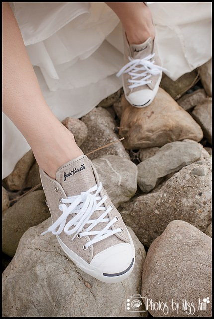 iceland-wedding-photos-bride-in-tennis-shoes-photos-by-miss-ann