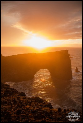 sunrise-at-the-dyrholaey-cliffs-iceland-wedding-anniversary-photo-session-photos-by-miss-ann