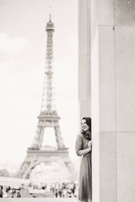 portrait-session-at-the-eiffel-tower-min