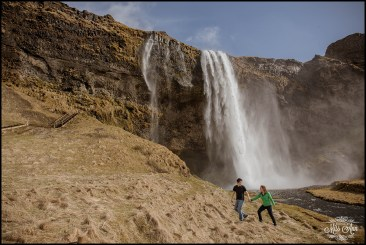 iceland-waterfall-wedding-engagement-session