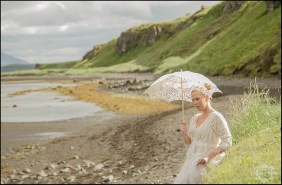 hvitserkur-sea-arch-iceland-wedding-photographer-5