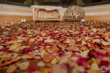 wedding-ceremony-rose-petal-ideas