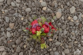 iceland-bridal-bouquet-red-and-purple