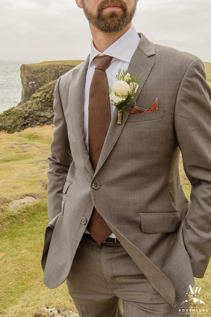 iceland-wedding-groom-details