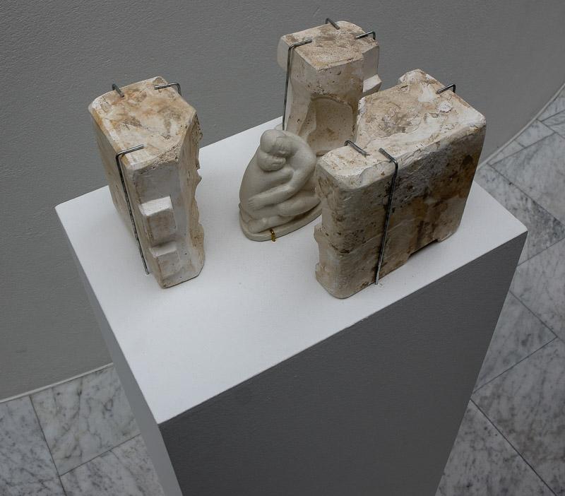 asmundu inside sculpture