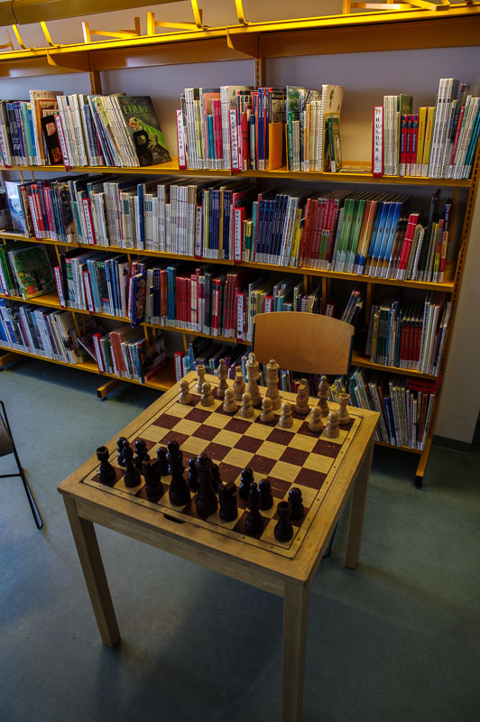 library chess