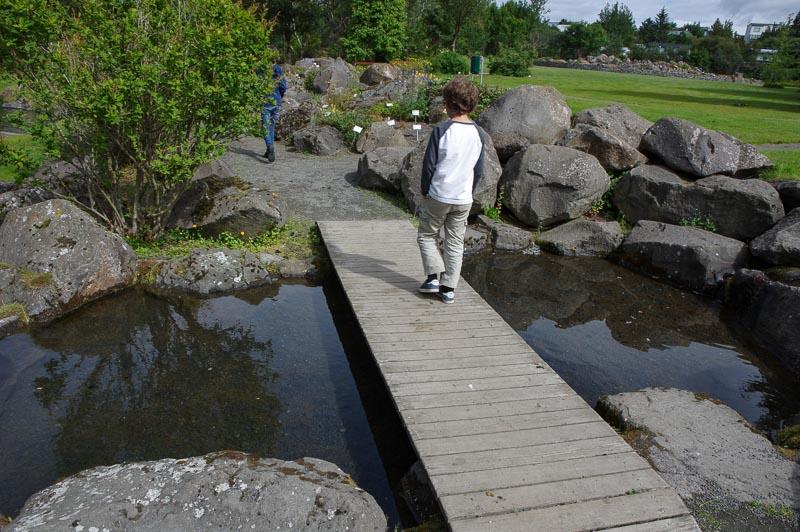 reykjavik botanical gardens kids path