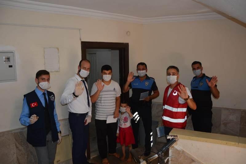 Mersin'de yabancı uyruklu aileler korona virüse karşı bilgilendiriliyor