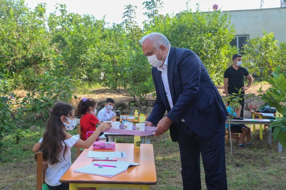 Erdemli'den 81 ildeki 81 okula limonata