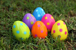 easter-egg-hunt-560x373