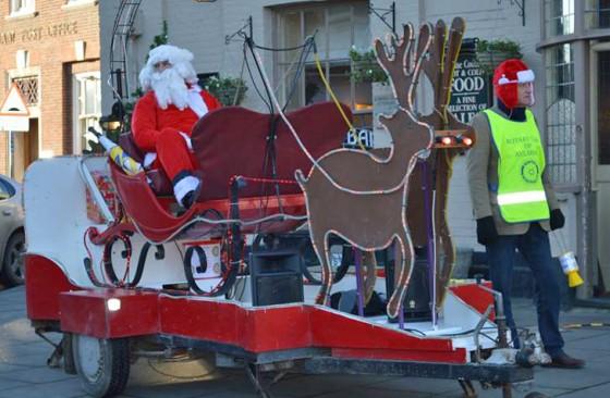 Santas-Sleigh-in-Aylsham