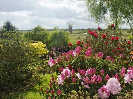 How Hill Farm gardens