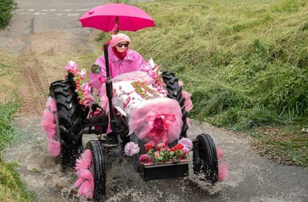 Pink-Ladies-Tractor-Road-Run-2021-C-Jonathan-Slack-9