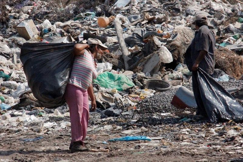 Sabías qué? Los pepenadores viven de y en la basura – ICESMA