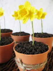 IMG_4933 flower pot cupcake- small