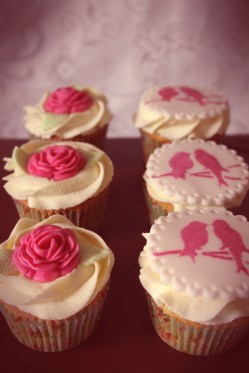 Vintage 40s style cupcakes