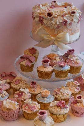 Intricate Couture Cupcakes and Cutting Cake