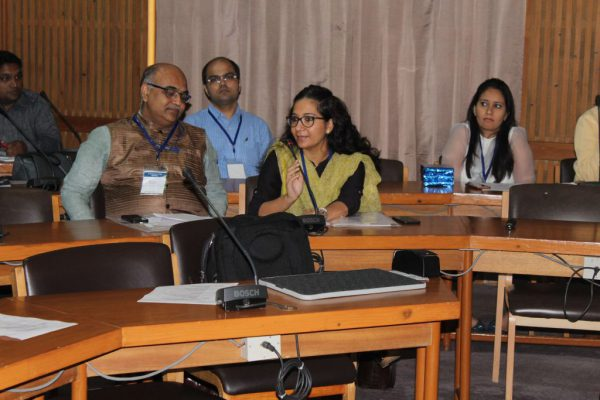 Ms-Molshree-Pandey-introduces-herself-to-the-members-of-IC-Innovators-Club-1024x683
