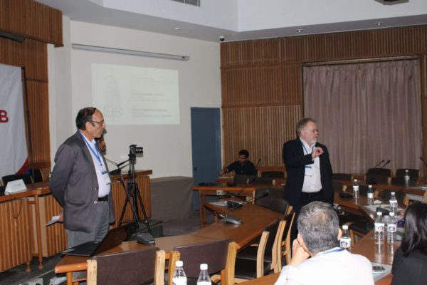 Prof-Paul-Lillrank-and-Dr-V-K-Singh-engage-the-IC-InnovatorCLUB-members-at-the-clubs-third-meeting-1024x683