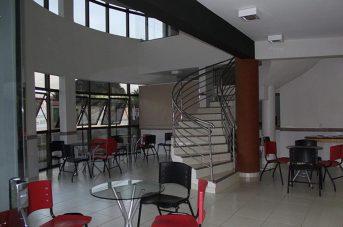 Espaço para estudo e interação de alunos