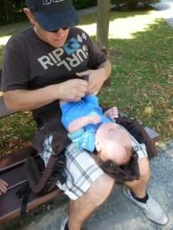 Manduca Anziehen Newborn (2)