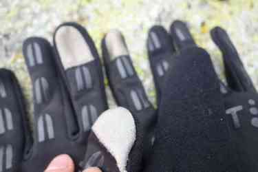craft hybrid weather gloves 15