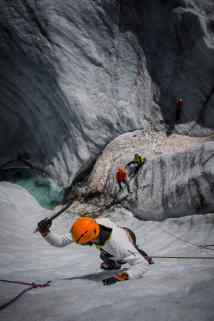 Arcteryx_Alpine_Arcademy_Ice_Climbing_Introduction_BRIAN_GOLDSTONE_2013