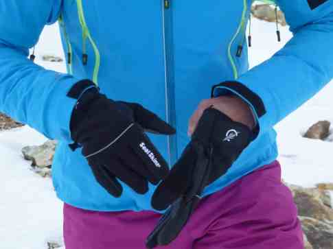 SealSkinz Activity Glove 11