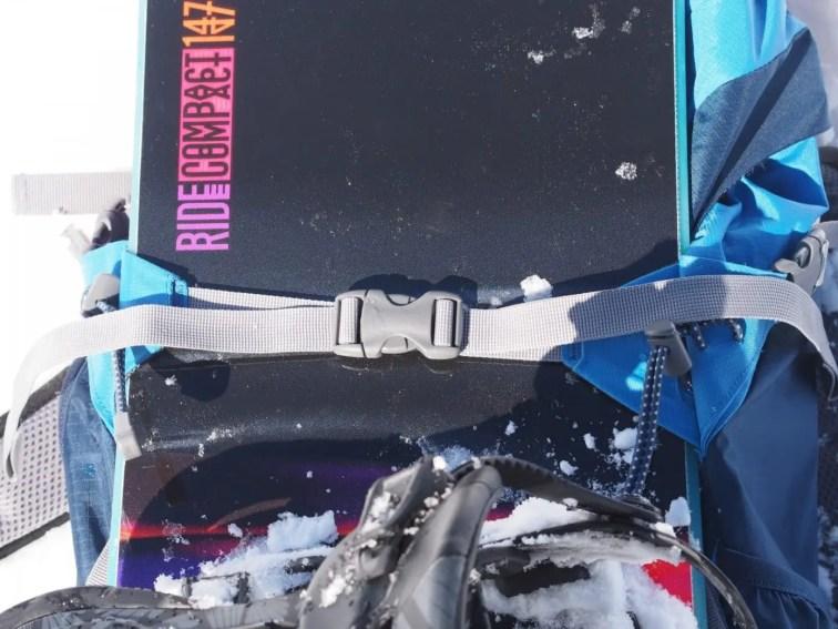 Snowboard Halterung. Beidseitig zu spannen, d.h. Spannlocken liegen immer in der Mitte und das Snowboard ist damit perfekt befestigt