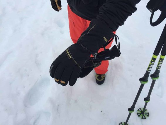 Snowlife_MountaineerGTXGloveW_08