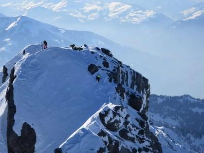 04_Rega_Bergretter_auf_dem_Gipfel
