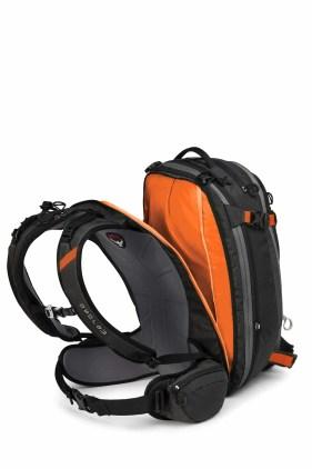 osprey-kamber_abs_2210_black_back_033
