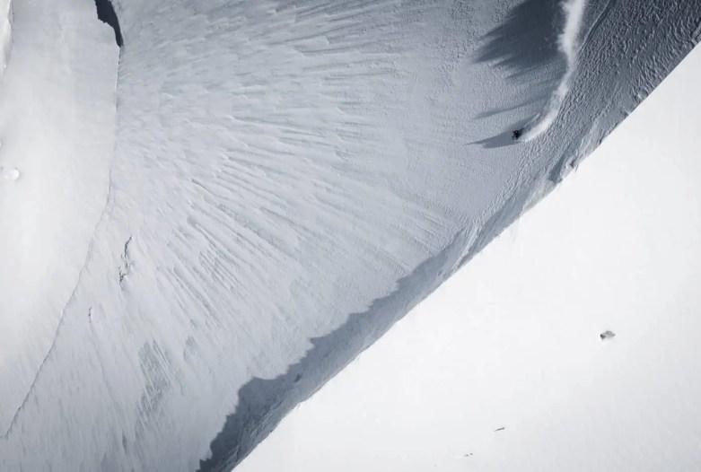 Mammut Pro Team Athlet Jeremie Heitz in der Steilwand des Zinalrothorn (Wallis, CH).