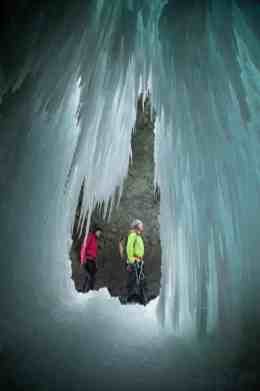 Winter-Canyoning_Pontresina_3_4egyJB2