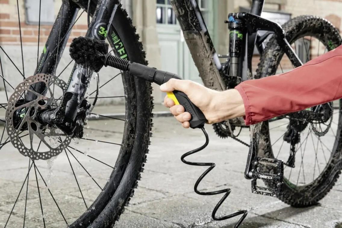 28751_Kaercher_Mobile_Outdoor_Cleaner_Bike_2