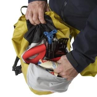 Arcteryx-Alpha-SK-32-Backpack_Everglade-Front-Pocket-F18