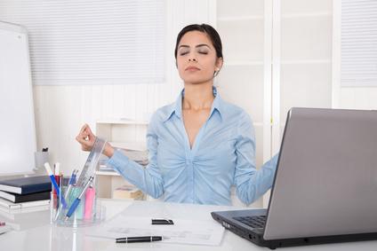 Meditation in der Mittagspause - 10 bis 15 Minuten reichen.
