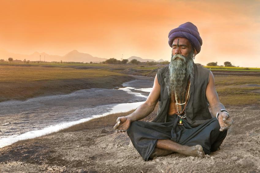 Ein hinduistischer Sadhu bei der Meditation.