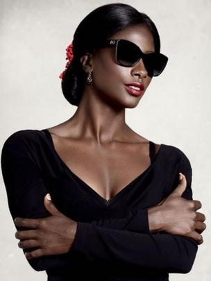 Campanha da Chanel com Linda Evangelista recriada por Deddeh Howard