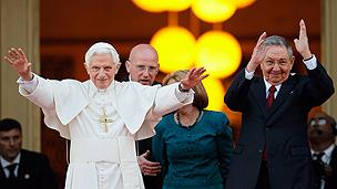 Pope Benedict with Cuban leader Raul Castro