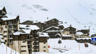 Heavy snow in Val Thorens, France, Four Jan 18