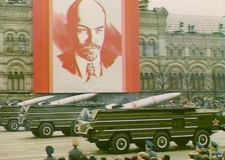 Soviet missiles on display in Moscow, 1989