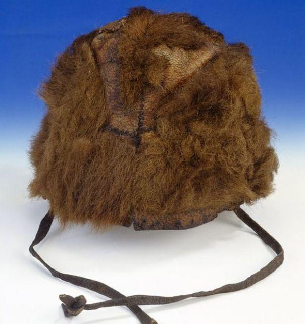 Sombrero de piel de oso marrón