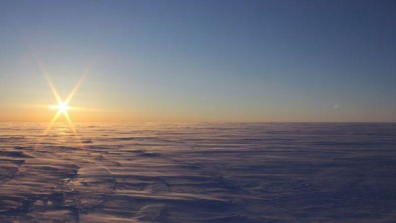 Sol sobre capas de hielo