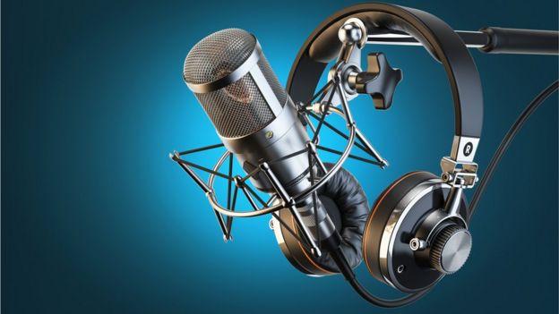 Microfone e fones de ouvido