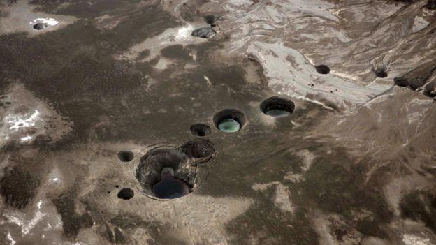 Foto aérea de socavones en el Mar Muerto, cerca de Ein Gedi / 10 de noviembre de 2011
